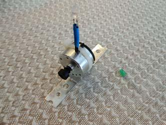 LED 1 on motor