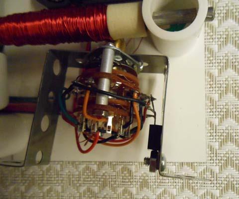 Transistor on bracket